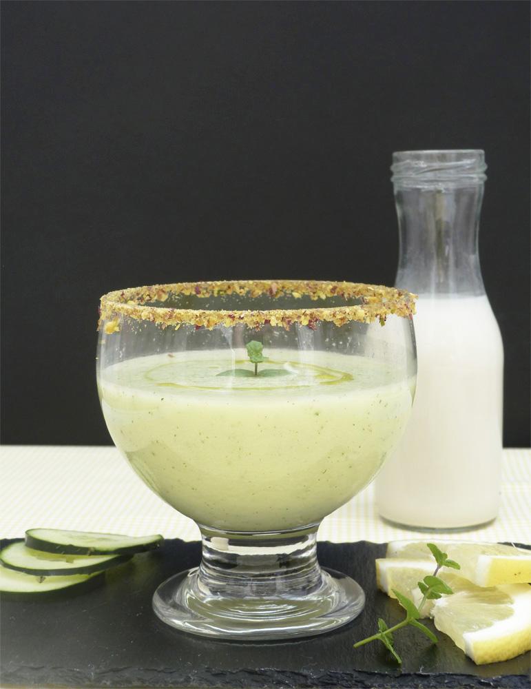 batut fresc de cogombre amb llet de civada