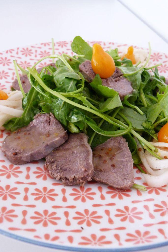 ensalada-de-llengua-de-porc-amb-salsa-de-llimona